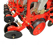 No-Till-Pneumatic-Planter-Trailed-Type-DANA-Agromaster-4.jpg